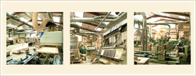 fabricant français, en région PACA, de portes et blocs portes en bois, huisseries monobloc et pose fin de chantier (mélèze, exotique clair, fraké, résineux, chêne)